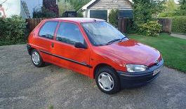 a picture of a peugeot 106